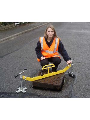 Handy Lift Manhole Lifter - Swinger